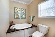 Quebec - SMH32483A - Bathroom