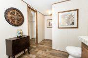 The Liston / Marvel - TRU28564A - Bathroom