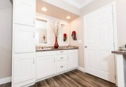Newport - SMH28684A - Bathroom