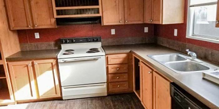 Used Home-287999-Kitchen 2